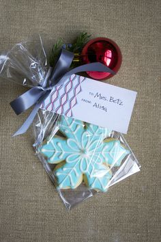 Christmas Party Favors #christmas #partyfavors.  Make at least 50 - 100 tags at a time, go for a simple colour combo then you can use them for birthdays, thank you gifts, random acts of kindness.