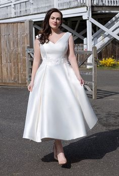 Josephine is a calf length satin dress with lace detailed waist band, elegant and classic. Many of our Loulou Bridal Short Wedding Dress styles are available to try on in our boutique in UK size 8 up to UK 24. #bridalboutique #uniqueweddingdress #nontraditionalweddingdress Size 18 Wedding Dress, Short Wedding Gowns, Wedding Frocks, Vintage Style Wedding Dresses, Wedding Dresses Plus Size, New Wedding Dresses, Bridal Dresses, Vestidos Plus Size, Marie