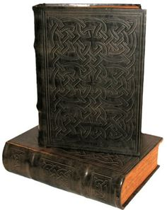 Celtic Knot Book Box