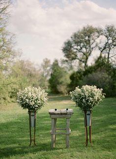 outdoor altar set-up | Tanja Lippert Photography