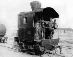 Lionel Trains Layout, Steam Trains Uk, Diorama, Old Trains, Vintage Trains, Train Truck, Bonde, Train Art, Rail Car