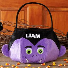 Send Scary 'N Soft Treat Bag - Dracula and other personalized gifts at Personal Creations. Dracula, Dulceros Halloween, Goodie Bags For Kids, Candy Bags, Treat Bags, Felt Crafts, Scary, Personalized Gifts, Unique Gifts