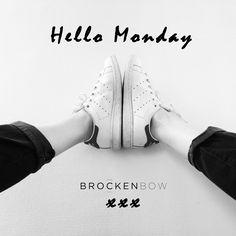 HELLO MONDAY ! Start the week with your favorite boyfriend ;) #brockenbow #boyfriend #jeans