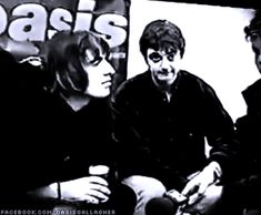 I don't believe in the world outside my room Gene Gallagher, Lennon Gallagher, Liam Gallagher Oasis, Britpop, Other People, Baby Baby, The Outsiders, Bands, Guys