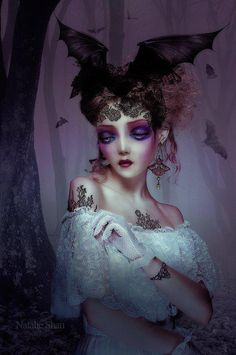 Very Creative Female Portrait Photography by Natalie Shau . Art Beat, Dark Fantasy, Fantasy Art, Arte Lowbrow, Circus Art, Arte Horror, Horror Art, Arte Pop, Pop Surrealism