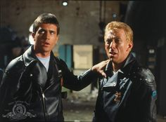 still-of-mel-gibson-and-steve-bisley-in-mad-max-(1979)-large-picture.jpg 1,023×757 ピクセル