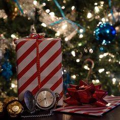 lj_studiosIt's that GIVE-AWAY #time of year again!!! #santa #christmas #christmastree #bozicdolazi #santaclaus #celebration #grandpas #watch #dailyhivevan #vancouver #vancouverisawesome #vancityhype #superb_photos #photooftheday #shootoftheday #photosession #finepixel #canvas #604canvas #photoshooting #photoofthemonth #photography #nikon_owners #celebritstyle #nikond750 #ljstudios Избриши коментарhappierdad😄👍✌️ 👌