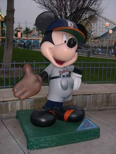 """""""Good Catch"""" by Bob Guiney.  Celebrate Mickey:  75 years of Mickey InspEARations.  At Disney California Adventure 2005."""