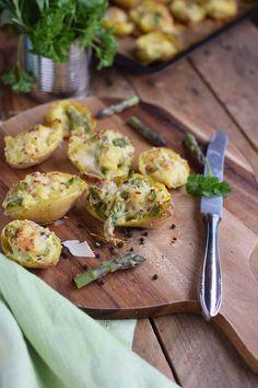 Ofenkartoffeln gefüllt mit Spargel - Oven Potatoes with green asparagus | Das Knusperstübchen