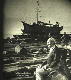 Cevat Şakir Kabaağaçlı (Halikarnas balıkçısı) photo by Ara Güler