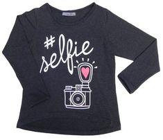 Moda Outfits, Girl Outfits, Graphic Tee Shirts, Printed Shirts, Girls Fashion Clothes, Kids Fashion, Polo Outfit, T Shorts, Shirt Print Design