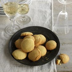 5 Wine Pairings for Your Holiday Cookies | Food & Wine