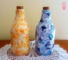 Pintura com marmorização em garrafas
