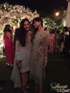 sania_wedding_jan_2015_watermark_03  two beautiful examples of Pakistani latest fashion