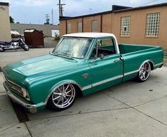 Hot Wheels - Ending the week with this cool build via getting ready to hit the road, bad ass! Old Dodge Trucks, Custom Chevy Trucks, C10 Trucks, Old Pickup Trucks, Chevy Pickup Trucks, Classic Chevy Trucks, Chevy C10, Chevy Pickups, Chevrolet Trucks