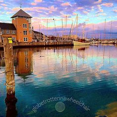 The other day I went for a walk to Marselisborg Havn in #Århus with my husband. The colors were #amazing and the air crisp. Luffe, a fish eating seal honored us with its company. Time stood still and we enjoyed the magic. ===== #animal #adventure #bluesky #beautiful #cool #Denmark