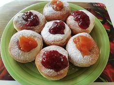 Fašiangové šišky (fotorecept) - recept | Varecha.sk Cheesecake, Fruit, Desserts, Food, Basket, Tailgate Desserts, Deserts, Cheesecakes, Essen