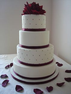 burgundy wedding cake. I like this, but I would rather have it square.