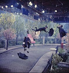 Behind the scenes at Mary Poppins taping