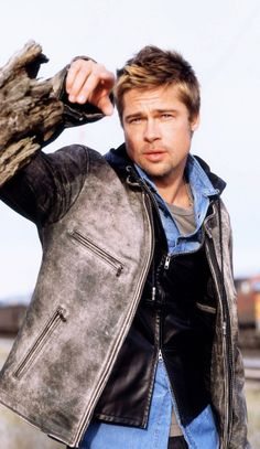 Brad Pitt~ What a handsome hunk of man he is!