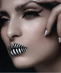 Fantasy Makeup Looks - look at that.her lips are right on trend. I Love Makeup, Makeup Looks, Crazy Makeup, Makeup Art, Beauty Makeup, Zebra Makeup, White Makeup, Eye Makeup, Looks Black