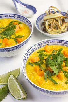 Sárarépaleves tökéletes választás. Thai Red Curry, Cantaloupe, Food And Drink, Favorite Recipes, Meals, Fruit, Ethnic Recipes, Soups, Rezepte