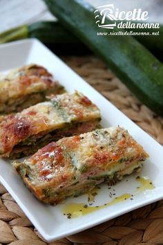 Ricetta parmigiana bianca di zucchine ✫♦๏☘‿SU Oct ༺✿༻☼๏♥๏写☆☀✨ ✤ ❀‿❀ ✫❁`💖~⊱ 🌹🌸🌹⊰✿⊱♛ ✧✿✧♡~♥⛩ ⚘☮️❋ Vegetable Dishes, Vegetable Recipes, Italy Food, Cooking Recipes, Healthy Recipes, Soul Food, Food Inspiration, Italian Recipes, Food To Make