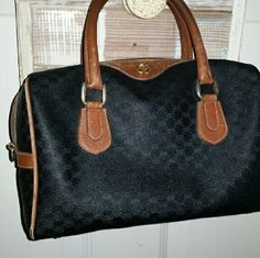 Authentic Vintage Gucci Boston Speedy Bag In really pretty shape. There is a little love need at piping on top, but pretty new looking for her vintage. No rips or tears whatsoever.  #Genuine Gucci Handbag Gucci Bags Totes