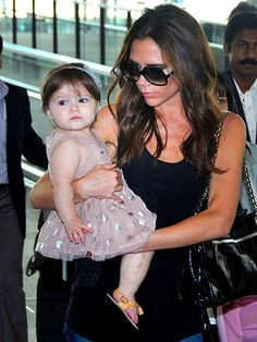 Yet another cute pic! Suri move over, Harper is now the cutiest baby out there!