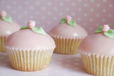 Perfectly domed cupcakes....wow.