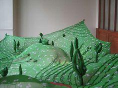 Prairie / soie et ventilateur / 2008 / Emilie Faïff