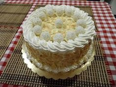 Raffaello torta, a világ legfinomabb kókuszos sütije! Képtelenség megunni ezt a finomságot - Egyszerű Gyors Receptek Eastern European Recipes, European Cuisine, Torte Cake, Cold Desserts, Cakes And More, Vanilla Cake, Cookie Recipes, Cake Decorating, Food And Drink