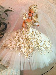 Bob Mackie Empress Bride BArbie Doll with Shipper, 1992 Barbie Bridal, Barbie Wedding Dress, Barbie Gowns, Barbie Clothes, Barbie Doll House, Barbie Dream, Reborn Toddler Dolls, Toy Art, Beautiful Barbie Dolls