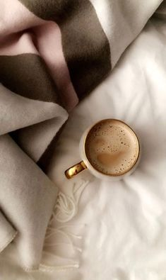 8 Noble Cool Tips: But First Coffee Logo coffee interior bar.But First Coffee Canvas coffee recepies streusel topping. Mobile Wallpaper, Tier Wallpaper, Animal Wallpaper, Colorful Wallpaper, Black Wallpaper, Flower Wallpaper, Wallpaper Quotes, Wallpaper Backgrounds, Coffee Wallpaper Iphone