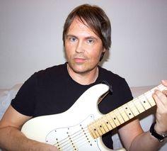 Lars Sjøstrøm Nielsen med Stratocaster.