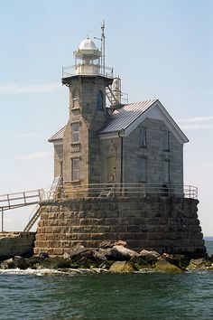 The Stratford Shoal Light is located roughly midway between New York and Connecticut (hence its alternate name Middleground or Middle Ground Light), 5 nautical miles (9.3 km; 5.8 mi) from Old Field Point Light in New York and 5.5 nautical miles (10.2 km; 6.3 mi) from Stratford Point Light in Connecticut