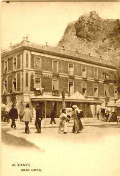 Gran Hotel, lo que luego sería el Hotel Palas y actualmente la Cámara de Comercio