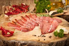 Çemensiz Pastırma İndirmek için: http://www.istockphoto.com/stock-photo-35867428-pastirma-turkish-air-dried-meat.php