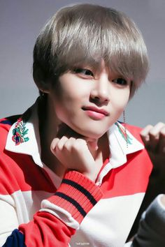 all for bts ✨✨ K Pop, Jimin, Taehyung 2017, Baby Voice, Hip Hop, Taehyung Photoshoot, He Makes Me Happy, Boy Music, Stupid Funny Memes