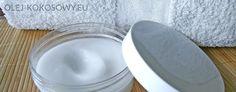 Chciałam podzielić się odkryciem jakim jest domowy dezodorant. Polecam każdemu zrobienie go - to banalnie prosty przepis, ale o tym za chwilę... Jak wiadomo antyperspiranty zawierają w swoim składzie wiele składników bardzo niebezpiecznych dla naszego zdrowia między innymi: aluminium oraz substancj