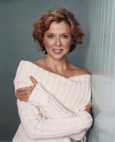 Annette Bening Annette Bening, Bob, Short Wavy Hair, Celebrity Pictures, Hair Inspiration, Blonde Hair, Vogue, Curly Hair Styles, Hair Beauty
