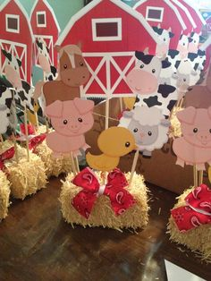 Granja cumple noe farm animal party, birthday centerpieces y Farm Animal Party, Farm Animal Birthday, Cowgirl Birthday, Cowgirl Party, Farm Birthday, Birthday Party Themes, Birthday Ideas, Farm Themed Party, Barnyard Party