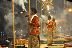 Essential Guide to the Ganga Aarti in India: Varanasi Ganga Aarti