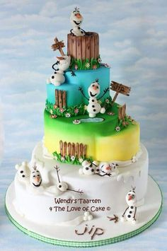 Olaf in summer and winter  - Cake by Wendy Schlagwein