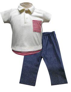 Playera tipo polo manga corta con bolsa y simulación inferior y pantalón de mezclilla. Tallas 3, 6, 12 y 18 meses.