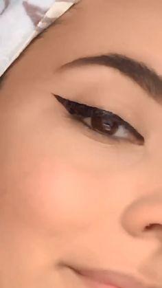 How To Do Winged Eyeliner, Winged Eyeliner Tutorial, Winged Liner, Prom Makeup Tutorial, Makeup Tutorial Step By Step, Makeup Tutorial For Beginners, No Eyeliner Makeup, Body Makeover, Beauty