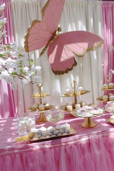 Being Unique With Butterfly Wedding Decorations – Cherry Marry Baby Girl Shower Themes, Girl Baby Shower Decorations, Birthday Party Decorations, Butterfly Birthday Party, Butterfly Baby Shower, Pink Butterfly, Butterflies, Butterfly Wedding, Wedding Flowers