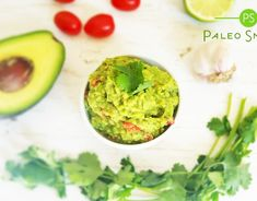 Recept na guacamole Guacamole, Paleo, Mexican, Ethnic Recipes, Food, Essen, Beach Wrap, Meals, Yemek