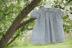 Floral Lawn Baby Dress with Peter Pan Collar // Vintage Style. So sweet and old fashioned! Love those puff sleeves!