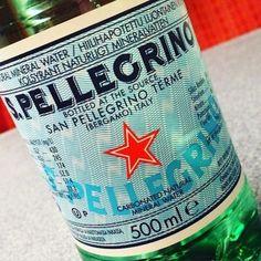 Médias: tout savoir sur San Pellegrino et l'eau pétillante S.Pellegrino, symbole de l'Italie, du raffinement et de la convivialité.